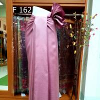 ผ้าคลุมไหล่ ลายราชวัฏ ย้อมสีธรรมชาติ จากครั่ง สีชมพูกะปิ 4 ม.