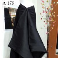 ผ้าไหมทอยกดอกดำ ลายเทพพนมใหญ่ ดำเงา + ผ้าพื้น
