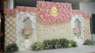 รับจัดฉากดอกไม้งานแต่งงาน
