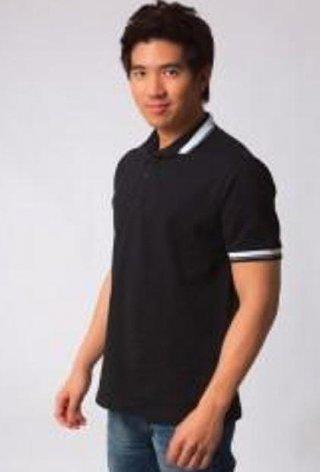 แบบเสื้อโปโลสีดำแถบขาว