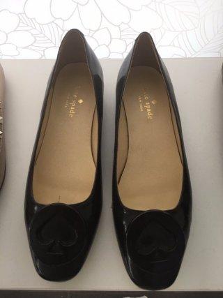 รองเท้า สีดำ หนังเงา ส้นเตี้ย