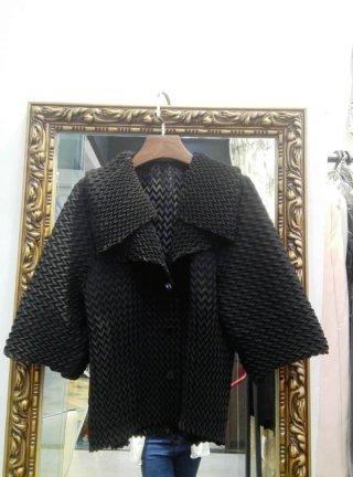 เสื้อพลีท สีดำ ลุคไฮโซ