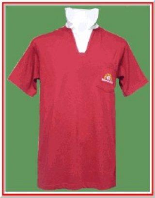 แบบเสื้อโปโลสีแดงปกขาว