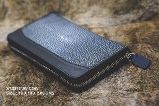 กระเป๋าเงินหนังใบเล็กสีดำ