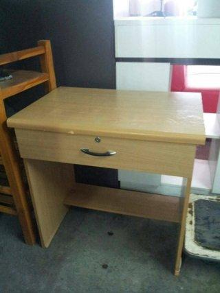 โต๊ะคอม มีลิ้นชักล็อคได้