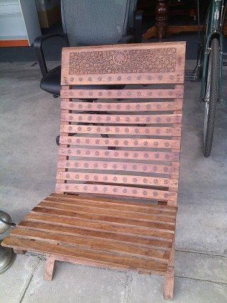 เก้าอี้นั่งไม้โบราณ