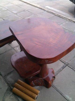 โต๊ะไม้มะค่า