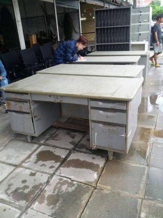 โต๊ะทำงานเหล็ก ขนาด 1.50 ม.