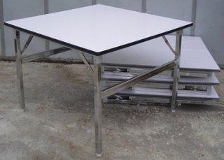 โต๊ะพับหน้าฟอเมก้าขาว สี่เหลี่ยมจัตุรัส