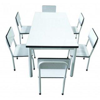 โต๊ะอนุบาลหน้าฟอเมก้าขาวเงา