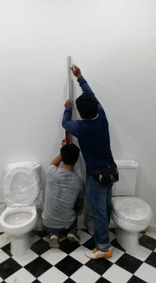 ผนังกั้นห้องน้ำ ลพบุรี
