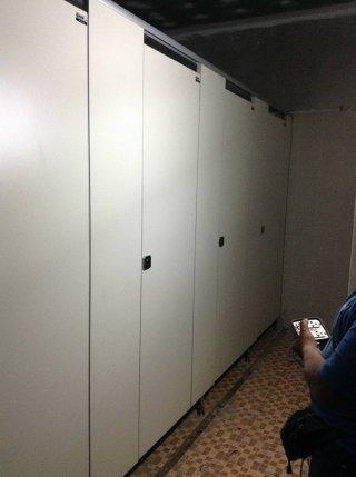 ผนังกั้นห้องน้ำ ตรัง