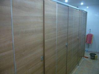 ผนังกั้นห้องน้ำ ปทุมธานี