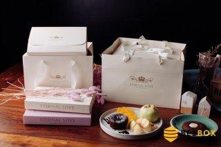 กล่องเค้ก 1 ปอนด์ พร้อมฐาน+ถุงกระดาษ เหลืองพาสเทล