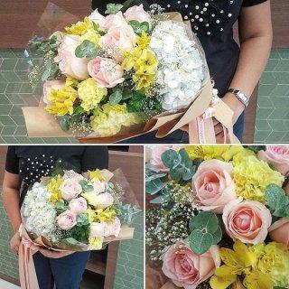 ช่อดอกไม้สด ราคาถูก