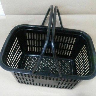 ตะกร้าพลาสติกสีดำ