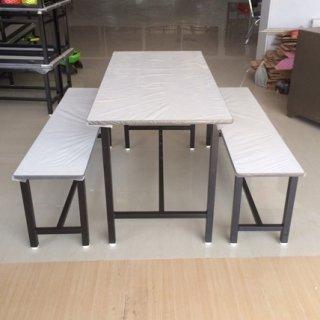 โต๊ะโรงอาหารหน้าโฟเมก้าขาว
