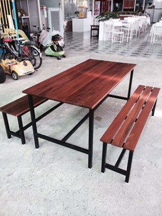 โต๊ะอาหาร 1.2 x 1.2 นิ้ว ไม้เต็ง