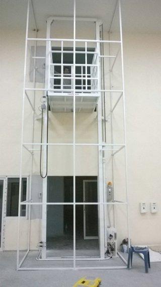 ลิฟท์โรงงาน