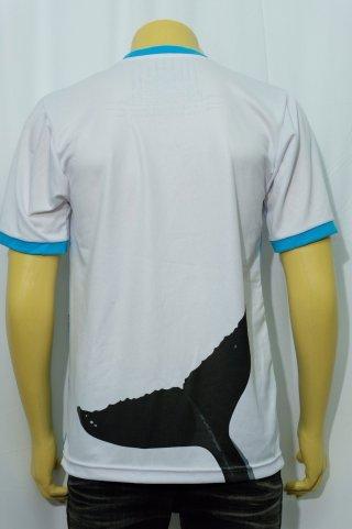 เสื้อยืดคอกลมสีขาว สกรีนลาย