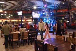 ร้านอาหารอร่อย น่านั่ง ศรีราชา