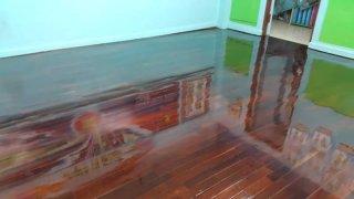 บริการทาสีขัดเคลือบเงาพื้นไม้
