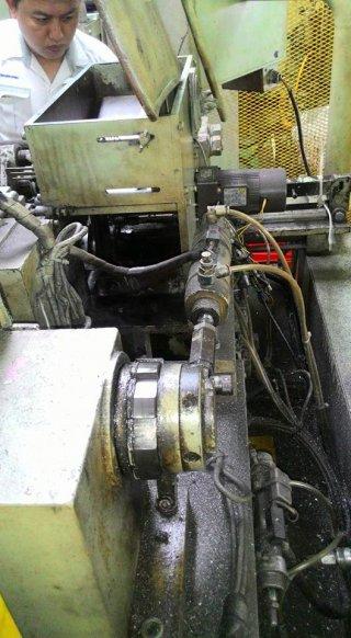 งานซ่อมแก้ไขเครื่องจักร