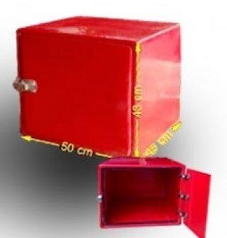 กล่องไฟเบอร์กลาส สีแดง ความจุ 95 ลิตร