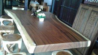 รับผลิตโต๊ะไม้จามจุรี ราคาถูก