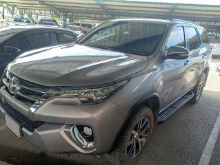 รถ Toyata Fortuner