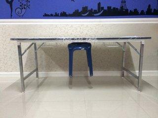 โต๊ะพับแขวนเก้าอี้