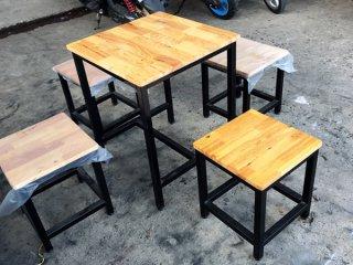 โต๊ะอาหารไม้ยางพารา พร้อมเก้าอี้ ขาโต๊ะ