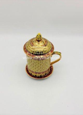 แก้วมัคเบญจรงค์ สีทอง (เข็ม)