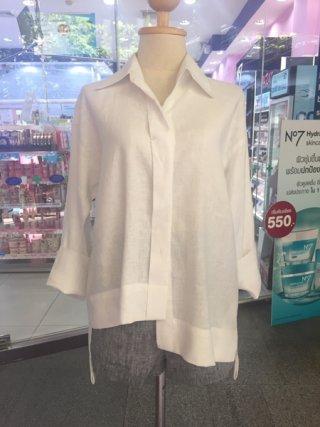 เสื้อเชิ้ตแขนยาว สีขาว