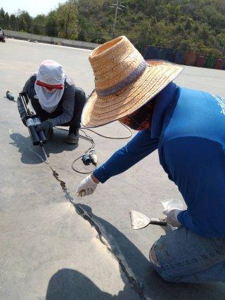 งานซ่อมรอยร้าวคอนกรีต ด้วยวิธี Epoxy Seal