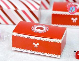 กล่องช็อคโกแลต สีแดงรูปหัวใจ