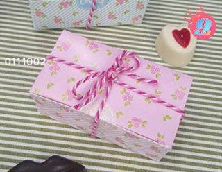 กล่องช็อคโกแลต สีชมพูดอกไม้