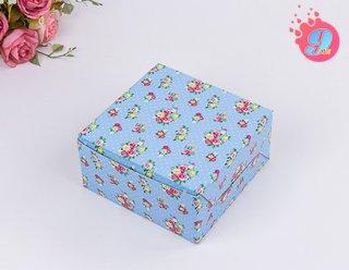 กล่องสแน็คเล็ก ลายดอกไม้พื้นฟ้า แพ็ค 100 ใบ