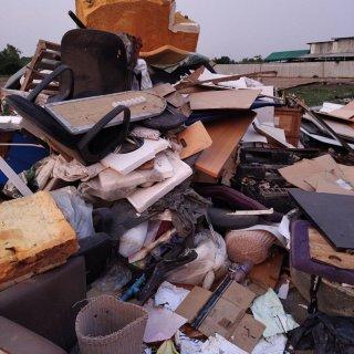 รับขนทิ้งขยะขวดพลาสติก