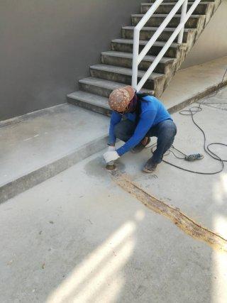 ซ่อมรอยร้าว Epoxy Seal Crack Repair