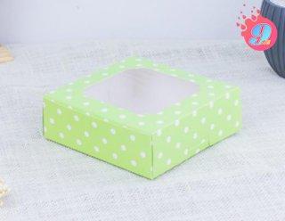 กล่องชิฟฟ่อนสีเขียวพื้นจุดขาวใหญ่
