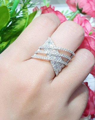 NEW X Baguette Diamond Style
