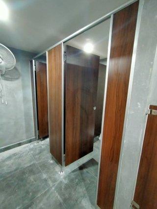 ผนังกั้นห้องน้ำ เพชรบูรณ์