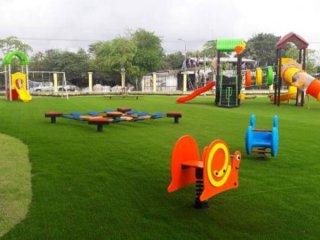 รับทำสนาม Playground